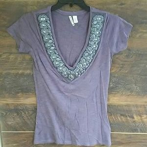 3/$12 Threads 4 thought organic top beauy detail